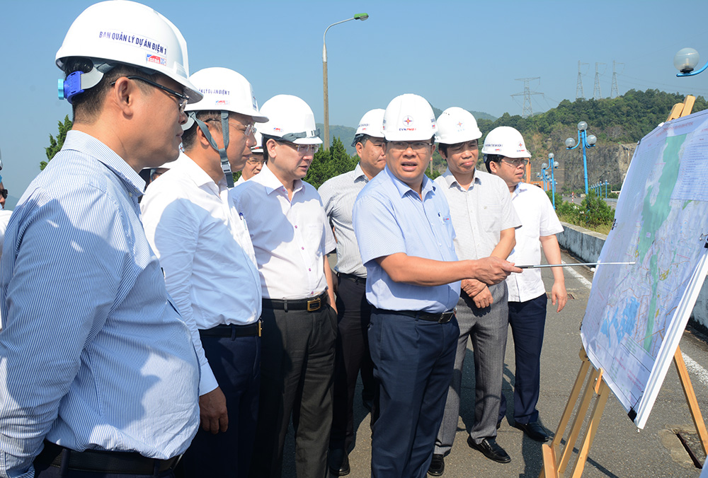 Gấp rút triển khai thủ tục để khởi công dự án Nhà máy Thủy điện Hòa Bình mở rộng vào cuối năm 2020